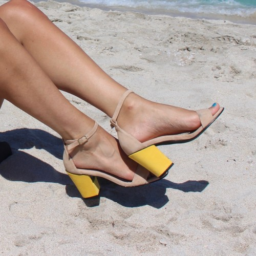 Sand sandals with interchangeable heels